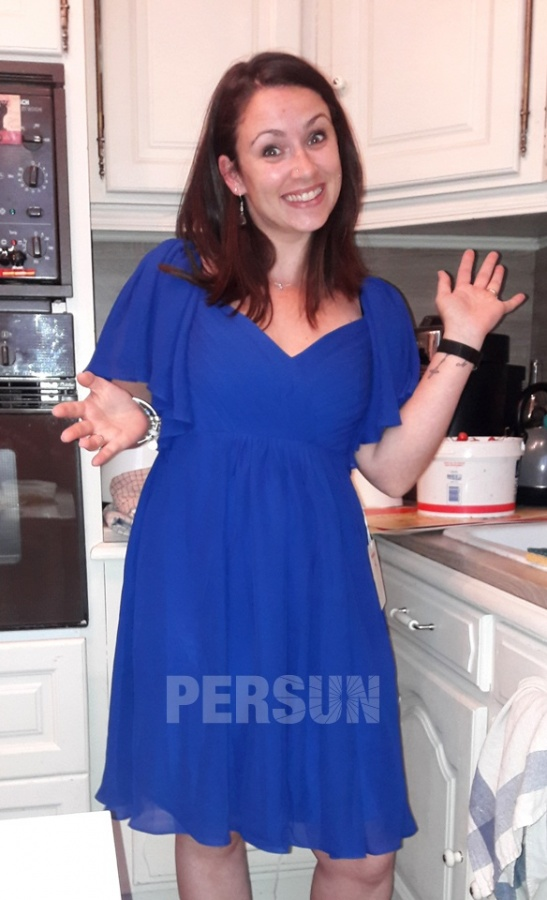 robe de cocktail bleue courte bustier drapé manches courtes à volant