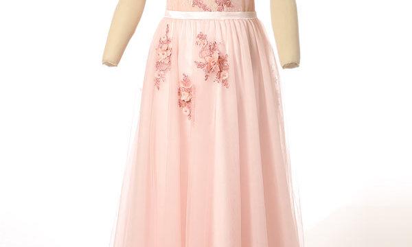 robe de mariée rose col bardot ornée de fleurs haut transparente