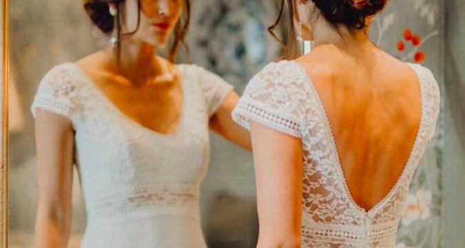 robe de mariée 2020 en dentelle mancheron à dos nu