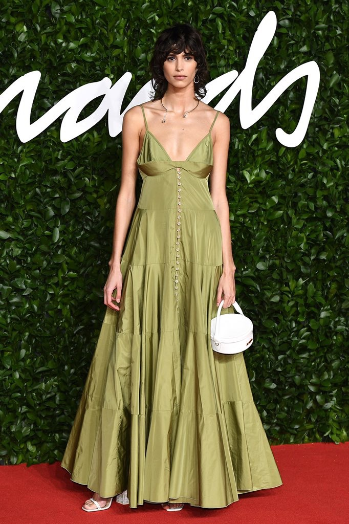 Mica Arganaraz au tapis rouge de Fashion Awards 2019