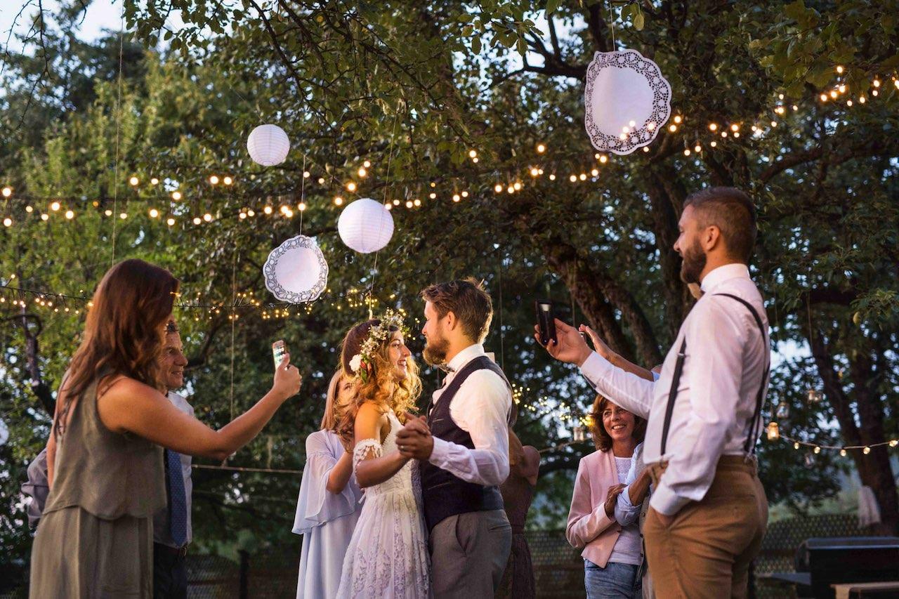 robe de mariée en plein air