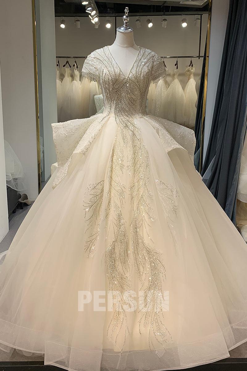 robe de mariée princesse col v embelli de bijoux à volant à manche courte